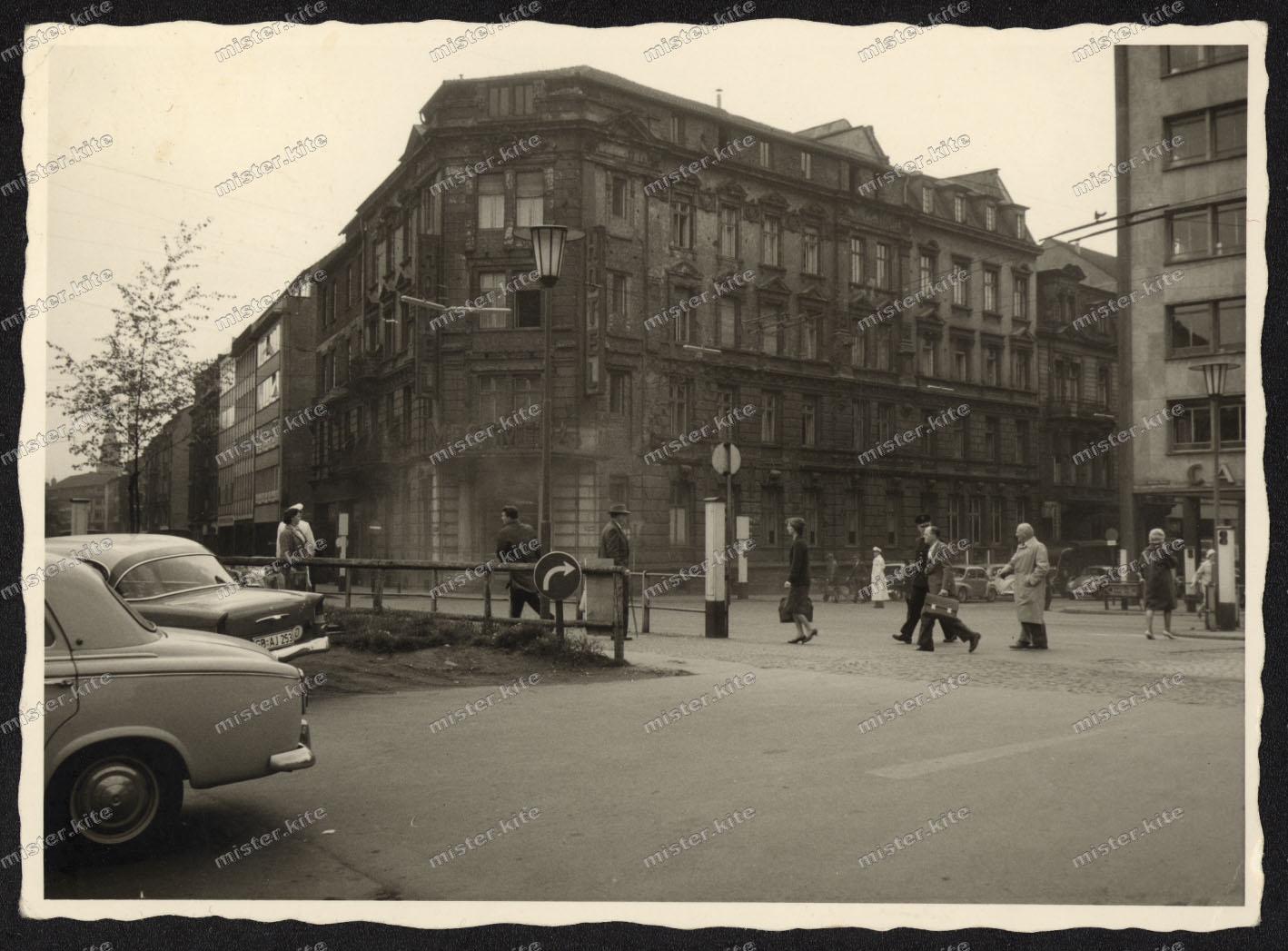 Saarbr cken geb ude haus architektur fassade kfz verkehr for Architektur 1960