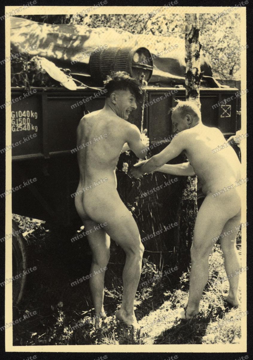 boys duschen 2 schwänze