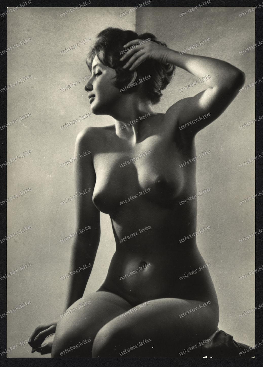 frau nackt 1960